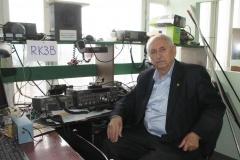 руководитель школьной р/станции RK3B  А.Н.Зайцев (RW3DZ)
